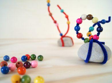Steinskulptur mit Kleinkindern basteln. Wie die Kreativitätsförderung das Selbstvertrauen der Kinder stärkt.   von Fantasiewerk